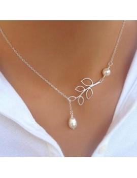Faux Pearl Embellished Leaf Shape Silver Metal Necklace